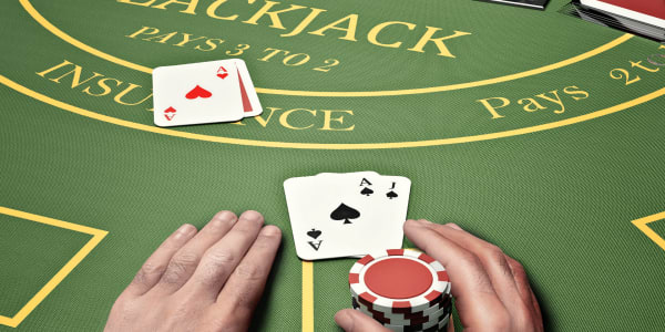 Kennen Sie den Unterschied: Blackjack versus Poker!